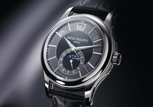 手表在调节日历和时间的时候该怎么办呢?
